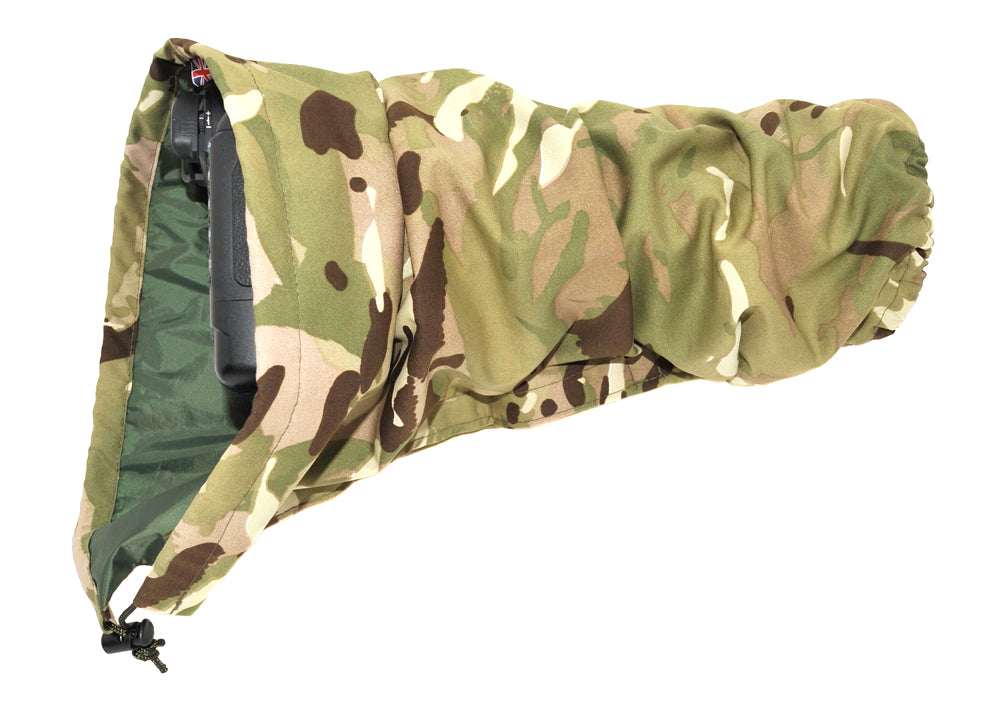 DOUBLE LAYER Reversible camera and lens cover with proofed polycotton on one side and waterproof olive pu nylon on the other. Available in a range of camouflage patterns or plain olive green. Keeps you going while other photographers have packed their kit away. All Terrain camouflage pattern.