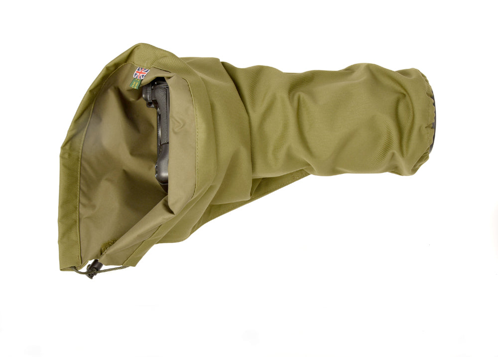 DOUBLE LAYER Reversible camera and lens cover with proofed polycotton on one side and waterproof olive pu nylon on the other. Available in a range of camouflage patterns or plain olive green. Keeps you going while other photographers have packed their kit away. Camera Rain cover in Olive green.