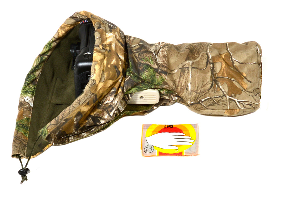 Waterproof and insulated camera covers, camera protection and Realtree camera camouflage, camera rain covers, dust and snow covers. Our 'Four Season' camera covers reduce battery drain & shutter sound. We first designed our heated camera covers for use by the British forces. The cover has four layers of technical fabrics including a fleece lining with a heat pack pocket, ideal for nature photography, wildlife photography and outdoor photography protecting your outdoor photography gear and long lenses.