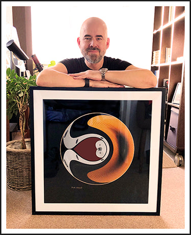 Mark Wessel with abstract print titled - Traveler - at Visudeco.