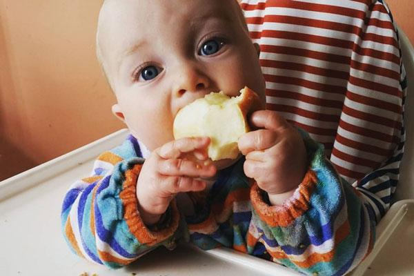 Weaning... Your Baby's First Solid Foods