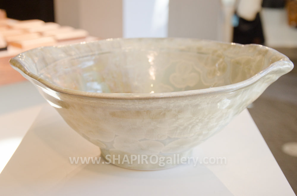 Handle Salad Bowl