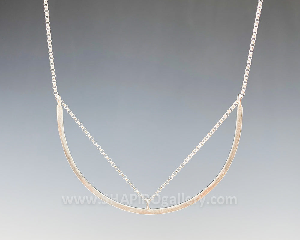 Threaded Horseshoe Necklace