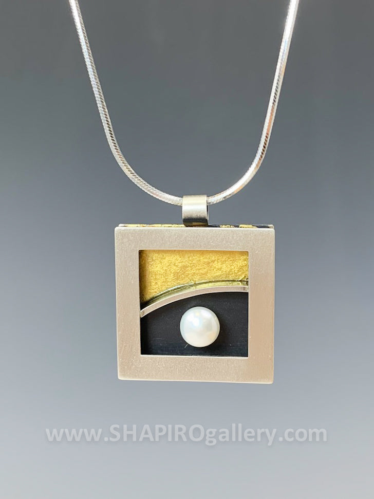 Black and Gold Square Necklace with Pearl