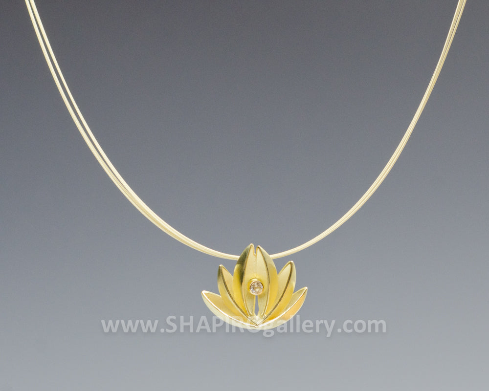 18K Gold and White Sapphire Necklace