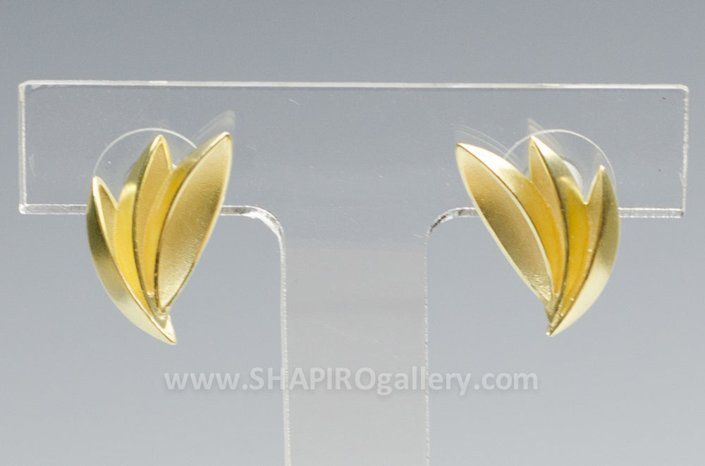 18K Gold Fan Earrings