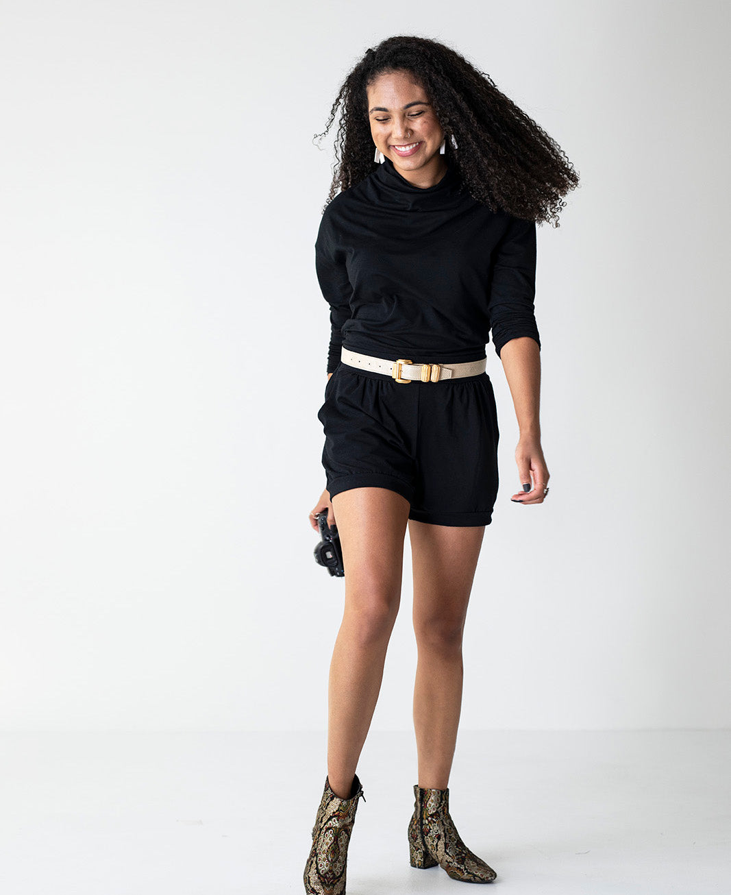 All-Around Shorts in Black and Effortless Top in Black