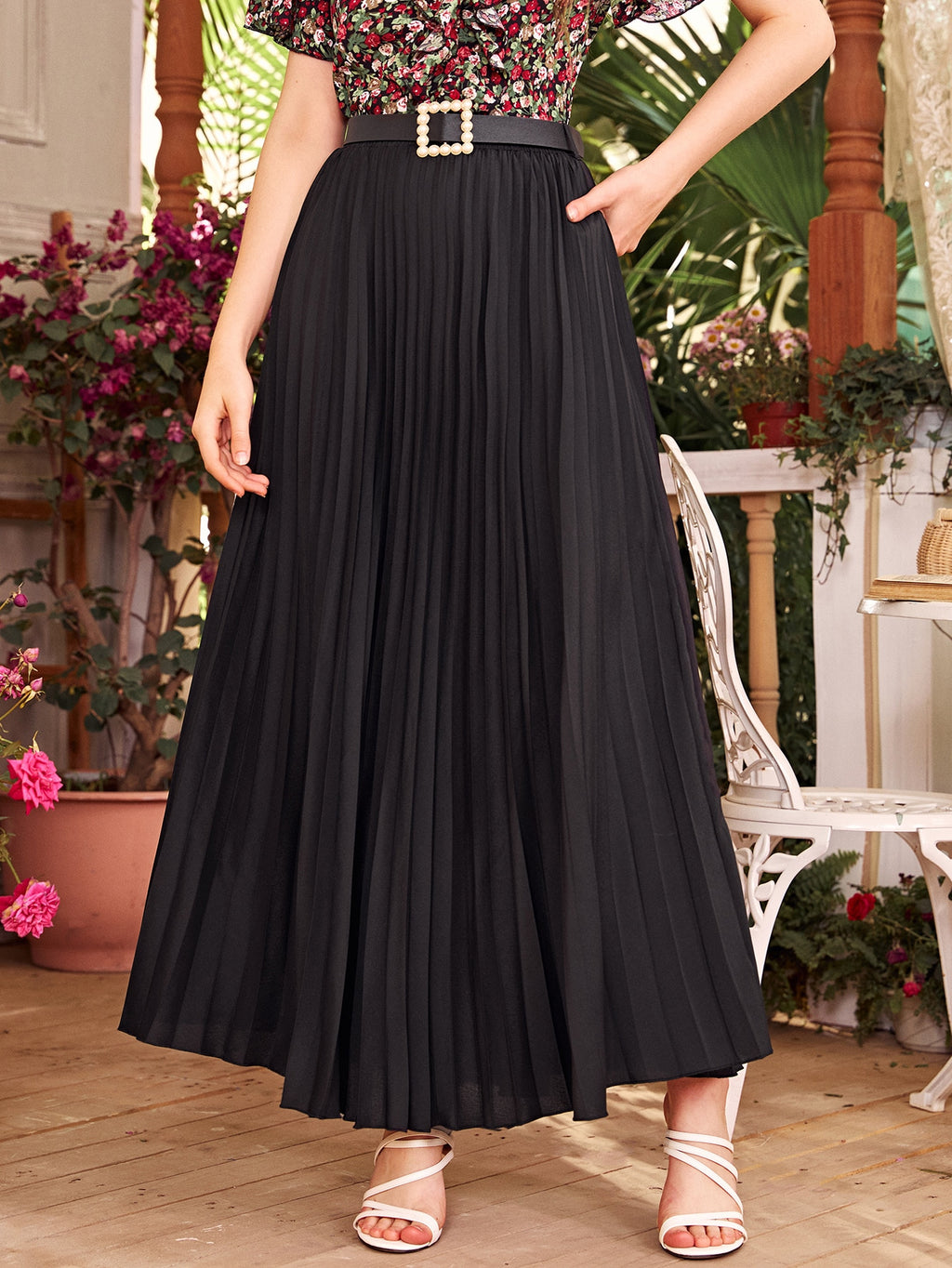 Solid Belted Pleated Skirt