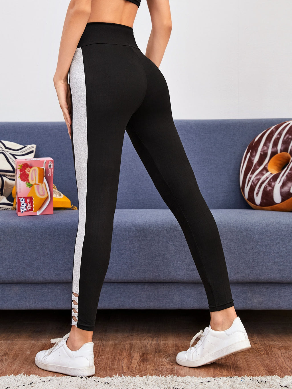 Contrast Panel Criss-cross Cropped Leggings