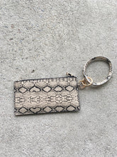 Load image into Gallery viewer, Natural snakeskin wristlet
