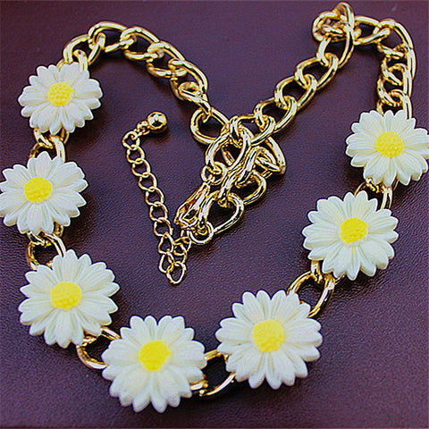 Collocation of white chrysanthemum popular romantic noble girl wholesale gift pendant necklace