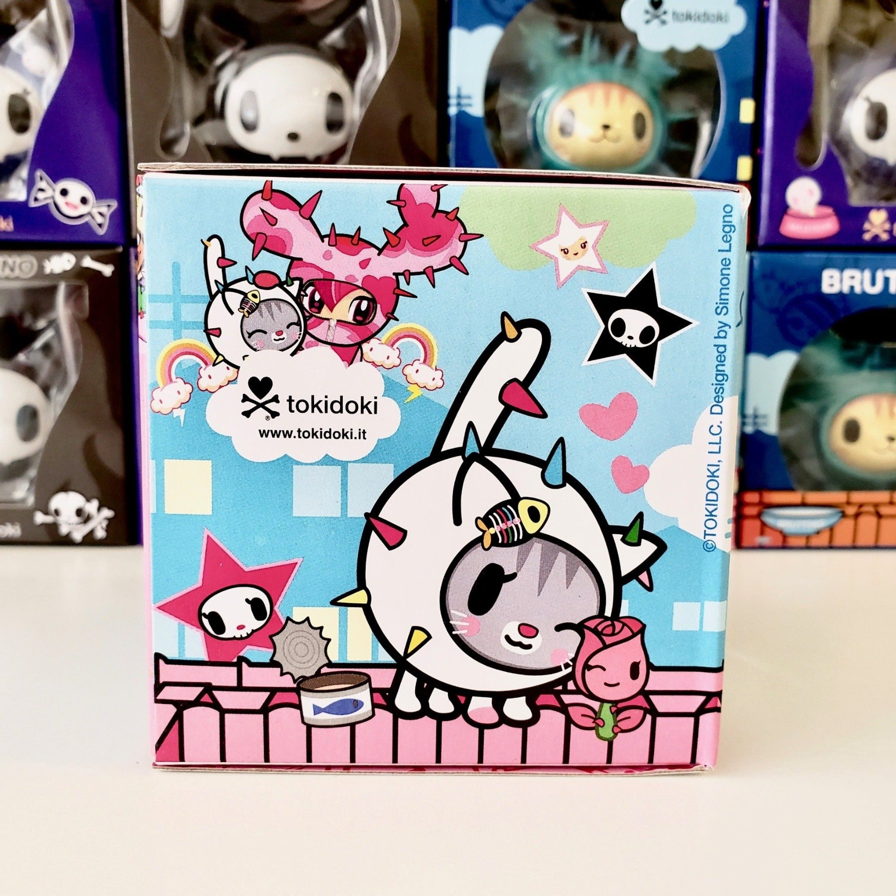 tokidoki vinyl figure cactus friends carina (package side view)