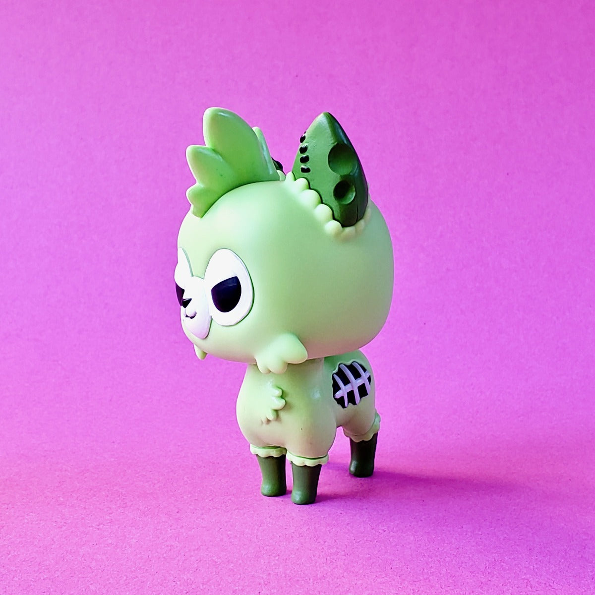 Funko Tasty Peach Zombie Alpaca side view