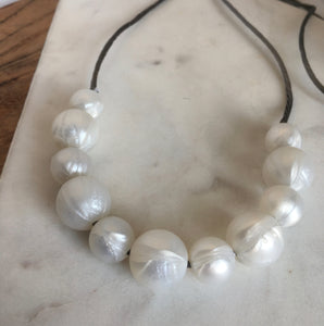 pearl look teething necklace Audrey