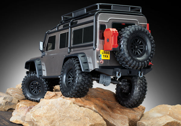 TRAXXAS TRX-4 DEFENDER SCALE AND TRAIL CRAWLER Silver 82056-4SLVR