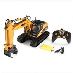HUINA 1:14 Excavator with Grapple, 2.4Ghz Radio, Battery and USB Charger - SFMHN1570