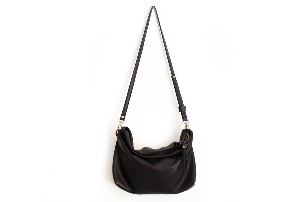 Leather cross-boby bag made of italian Black leather. Silvie leather shoulder bag