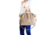 Load image into Gallery viewer, Leather crossbody bag, made of italian Taupe leather. Silvie leather shoulder bag