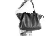 Load image into Gallery viewer, Leather tote bag, SHOULDER BAG made of italian leather RED. Mia leather shoulder bag