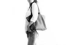 Load image into Gallery viewer, Leather tote bag, SHOULDER BAG made of italian Taupe leather. Mia leather shoulder bag