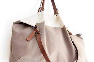 Weekend bag canvas and leather shoulder bag, bicolor. Personalized bag with name.