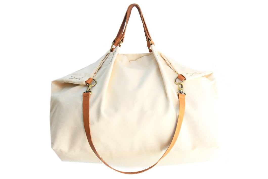 Weekend bag canvas and leather shoulder bag beige. Personalized bag with your name