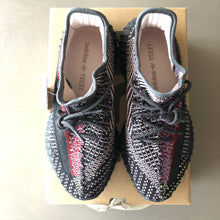 Load image into Gallery viewer, Yeezy Yecheils (UK 8.5)