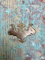 Keyhole Plate (Style Trois)