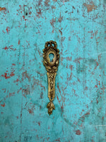 Keyhole Cover (Gold)