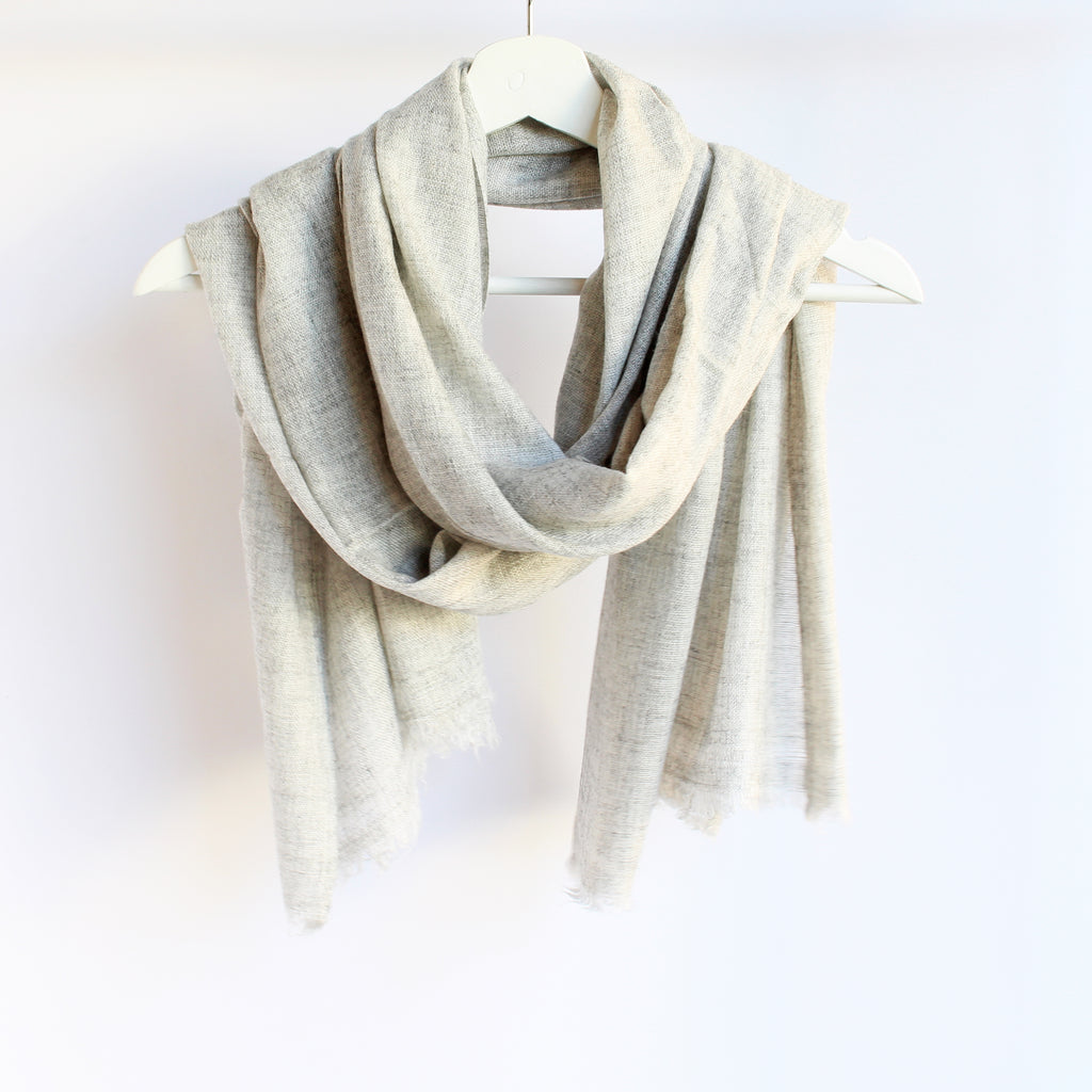 Fine Woollen Scarf Light Grey