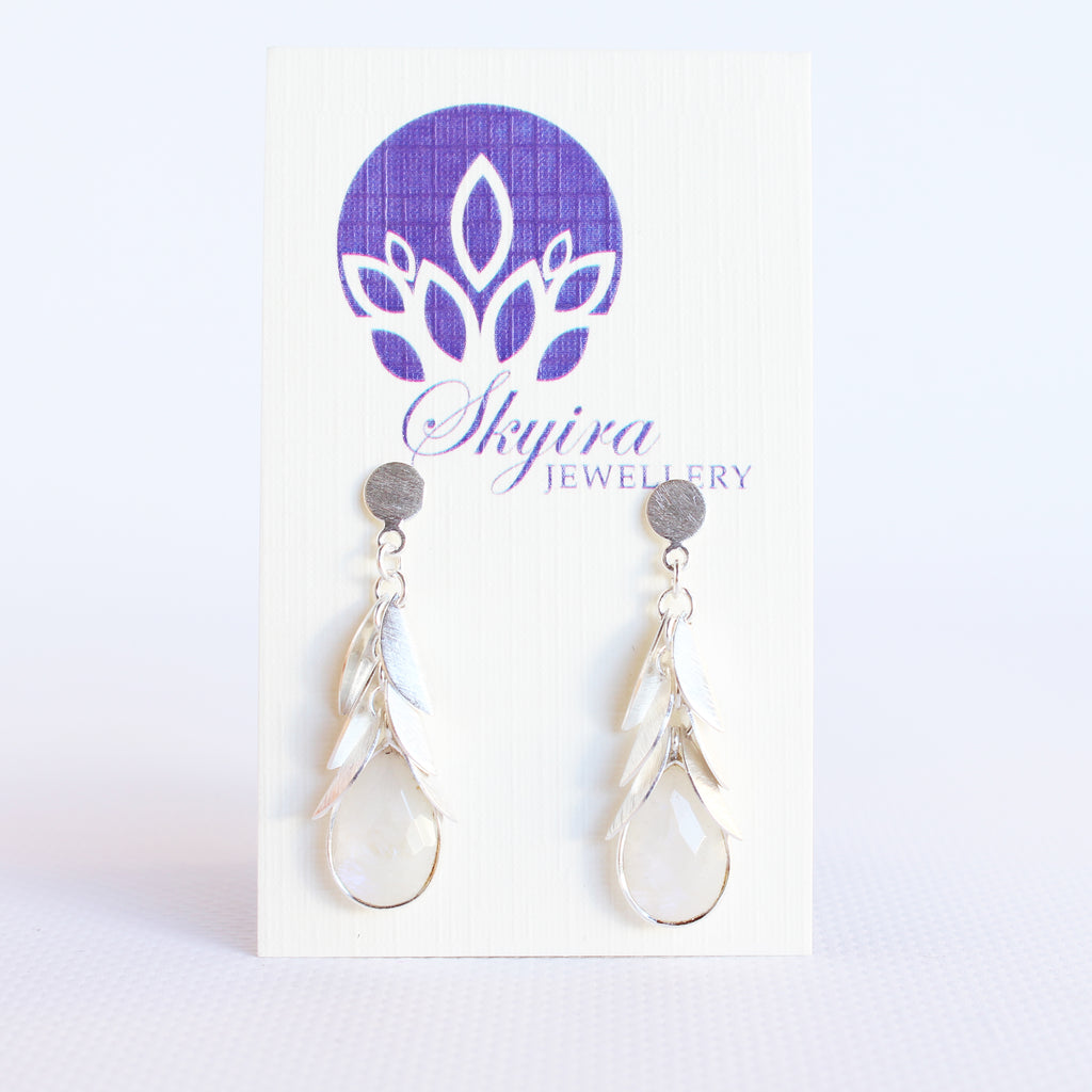 Drop Leaf Gem Earring White W/S