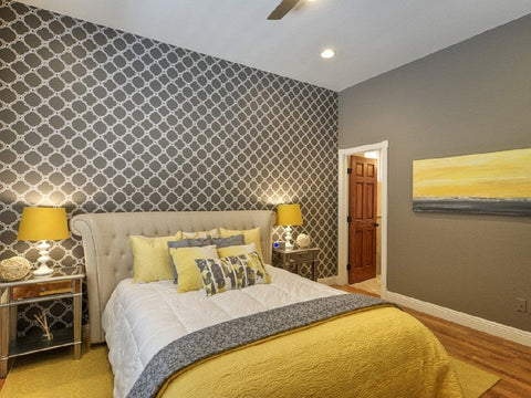 yelllow and grey room