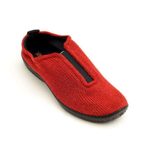 Load image into Gallery viewer, A'rcopedico ES Slip On Sneaker Red