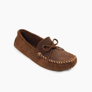 Minnetonka Men's Classic Driver Moccasin in Dark Brown