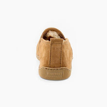 Load image into Gallery viewer, Minnetonka Men's Twin Gore Sheepskin Slipper in Tan