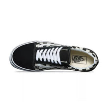 Load image into Gallery viewer, Vans Checkered Old Skool Sneakers Black