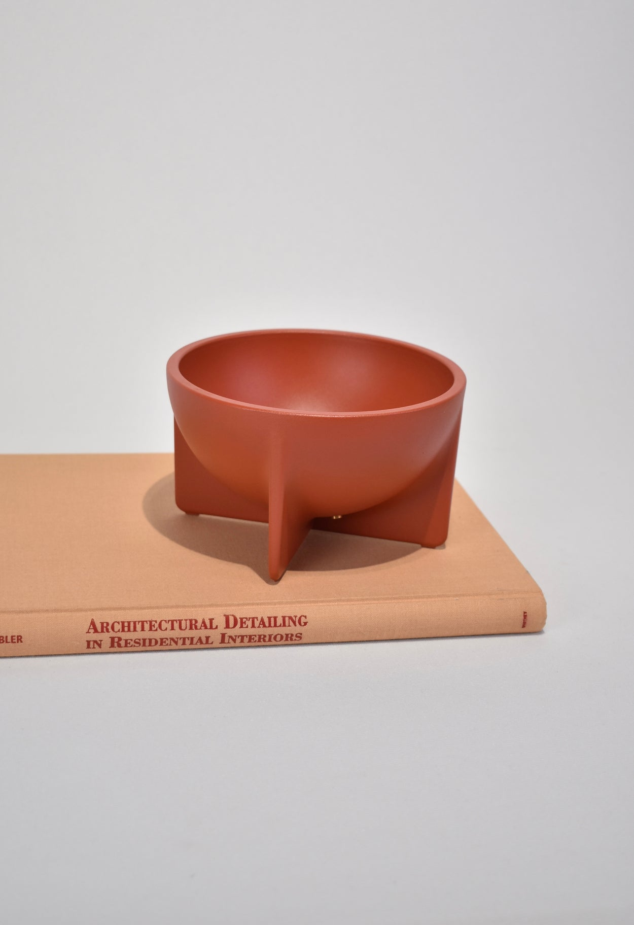 Small Standing Bowl in Sienna