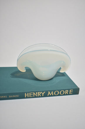 Opalescent Clam Vase