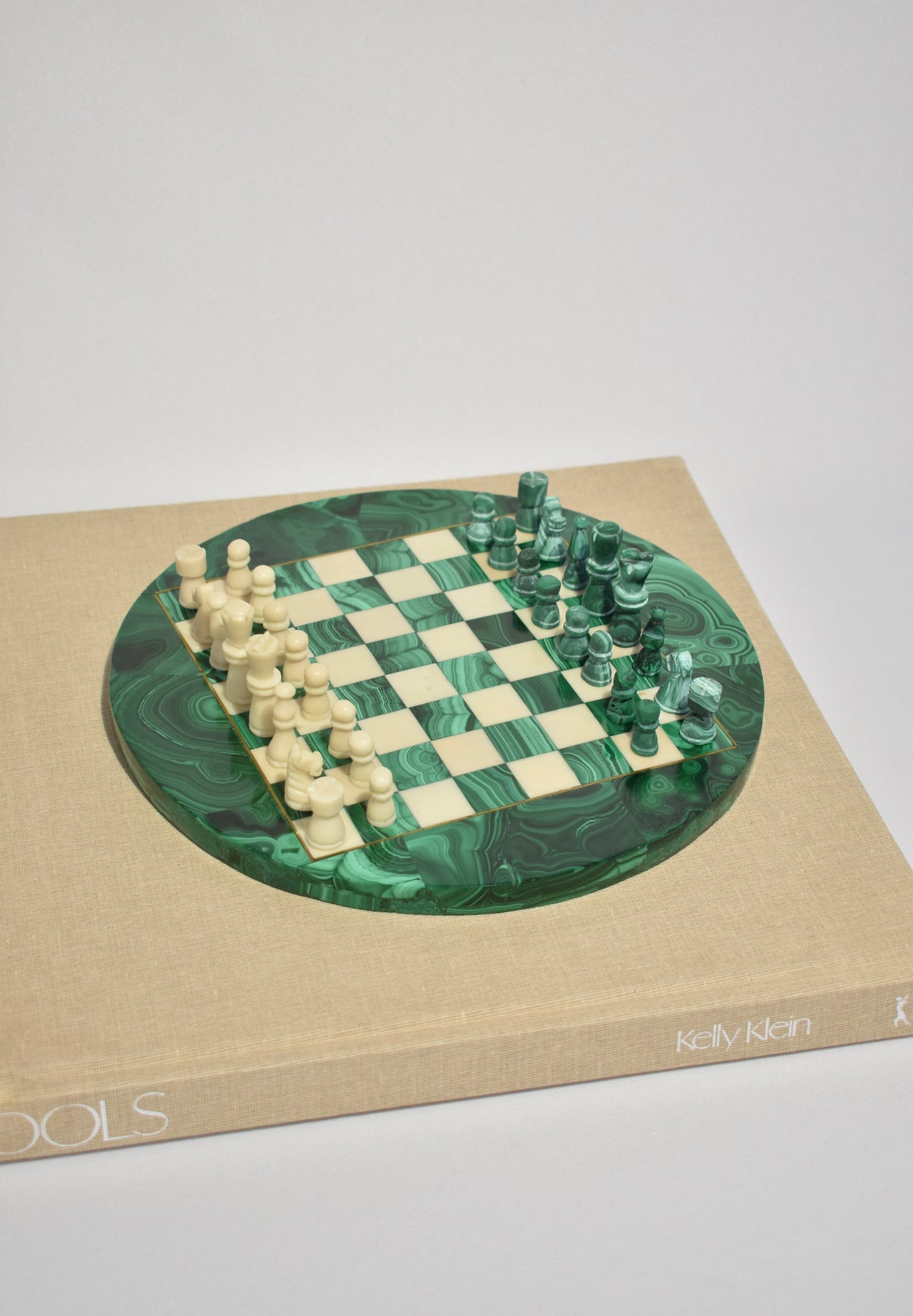 Round Malachite Chess Set