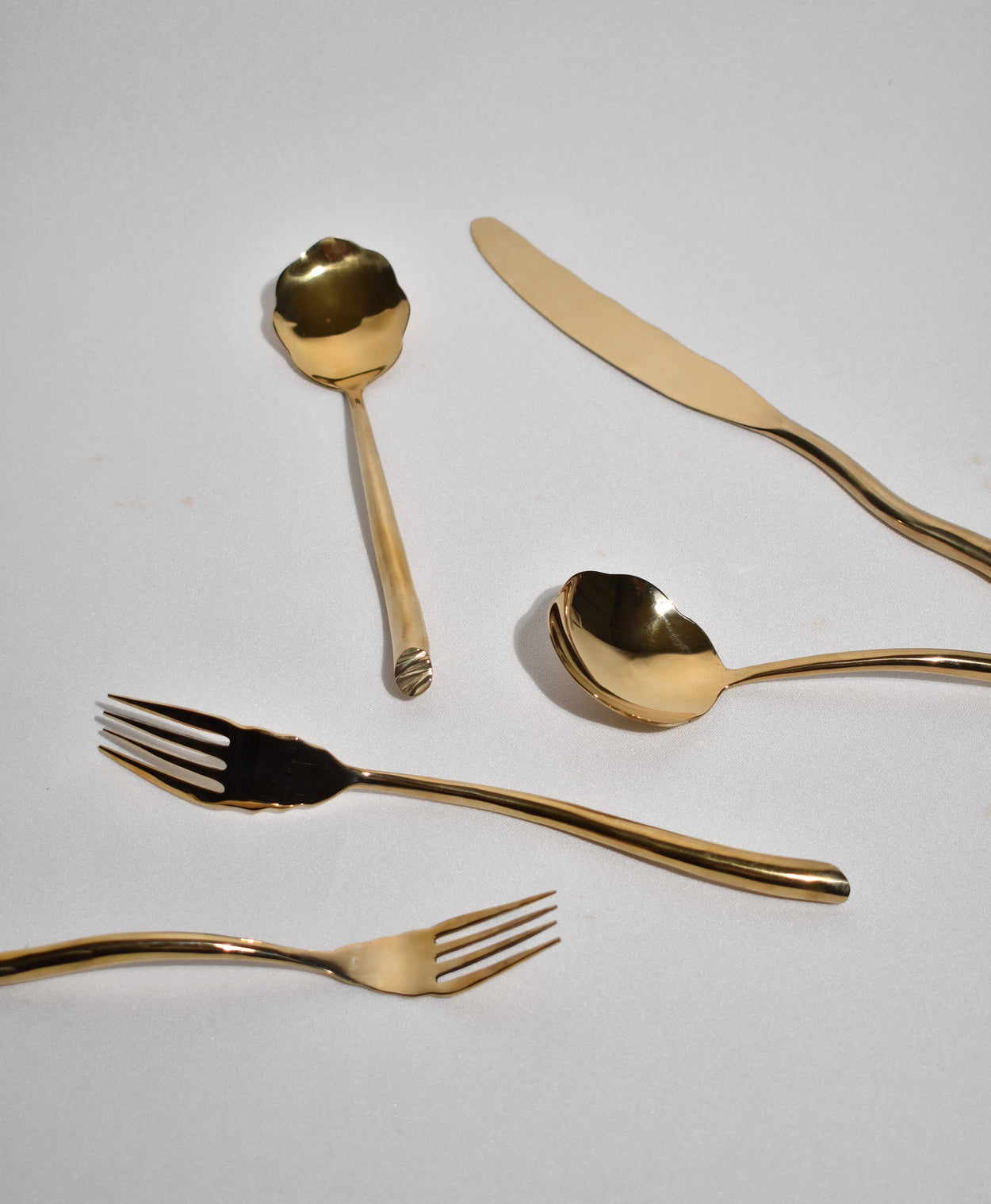 Shore 5-Piece Flatware Set in Bronze