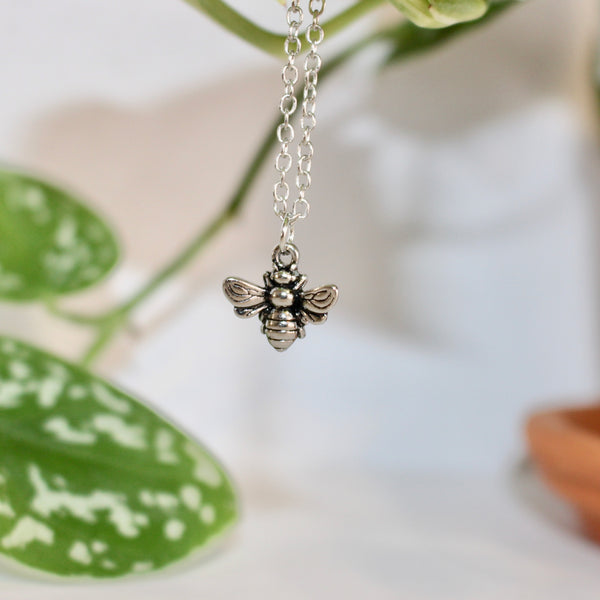 Bumble Bee Pendant Chain Necklace (Costume Silver)