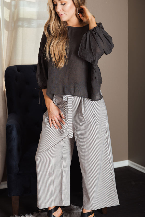 Shop Ada-Rey Front Tie Pants Dress them up or dress them down these pants are everything... Perfect for the beach paired with sandals or on a dinner cruise with some cute heels.  Relaxed Fit Side Pockets Linen like Fabric 21.00 USD // ShopBellaAllure.com