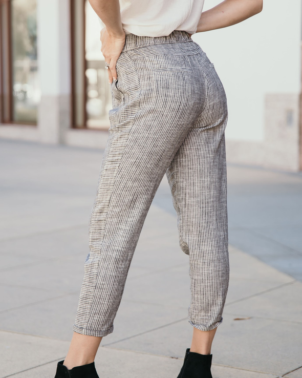 Shop Step To Me Pants Our Step To Me Pants feature a blend of a Rayon/Linen fabrication. A great feel with a pleated front and tapered leg. Wear these as a casual or dressy look, the option is yours! 50.00 USD // ShopBellaAllure.com