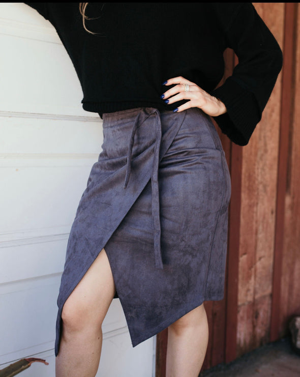 Shop Lexington Ave Skirt Strut into this next season with style and class in our Lexington Ave Skirt! Made with a soft velvet material this skirt features a silk lining, front zipper detail and tie waistline. Pair with you favorite blouse, sweater or blazer. 52.00 USD // ShopBellaAllure.com