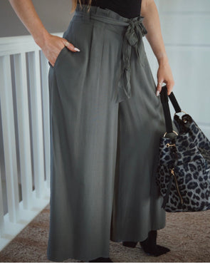 Shop Nahla Pant When you have those last minute plans and need something to wear reach for our Nahla Pants! They are comfortable and stylish and pair well with anything! 42.00 USD // ShopBellaAllure.com