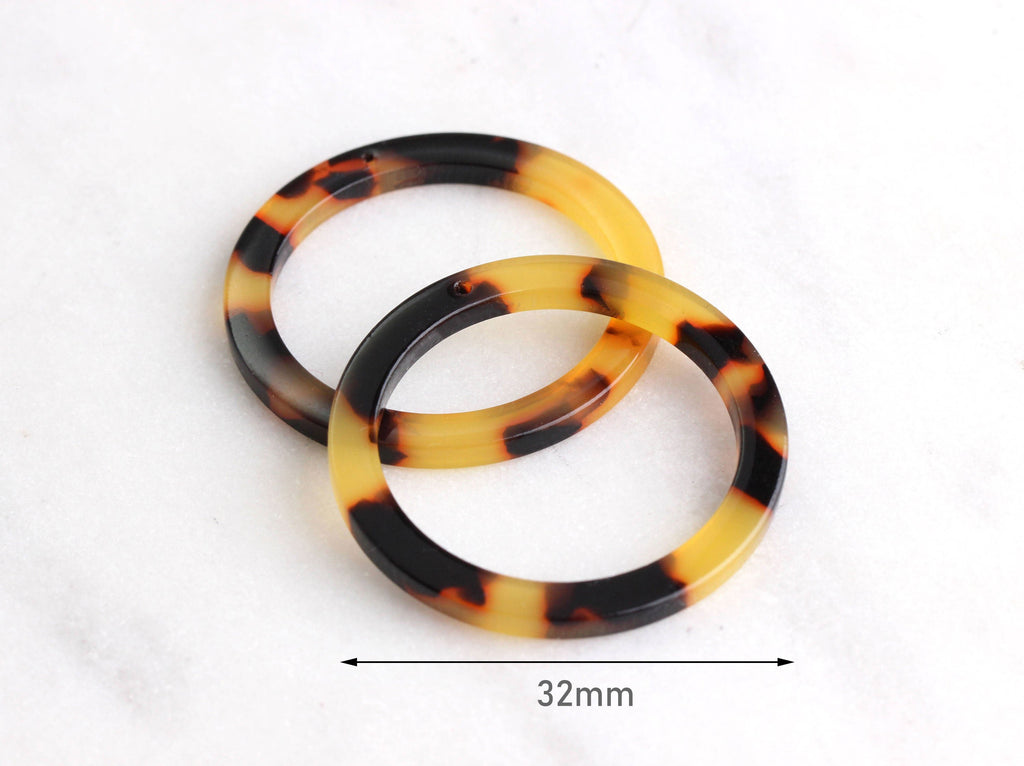 2 Ring Connector Charms in Tortoise Shell, 1 Hole, Flat Edge, Cellulose Acetate, 32mm