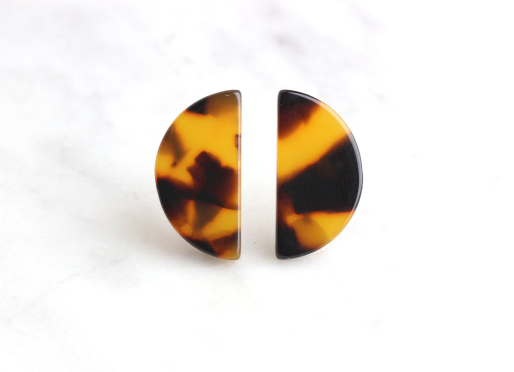 4 Tortoise Shell Stud Earrings Parts 20x10 mm, Acrylic Tortoise Blanks Earrings Acetate, Half Moon Discs Small Half Circle Stud LAK003-20-TT