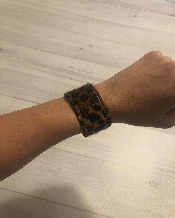 Brown Cheetah Print Slap Wrap Bracelet