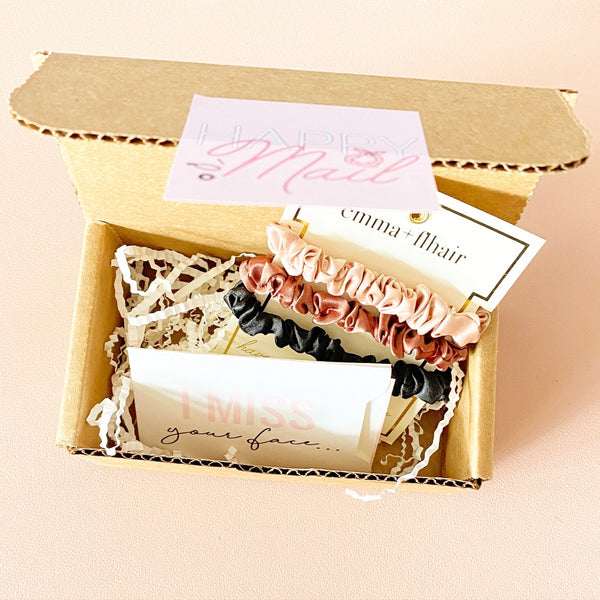 Babe Mail - I Miss Your Face Box of Flhair - Mini Scrunchie