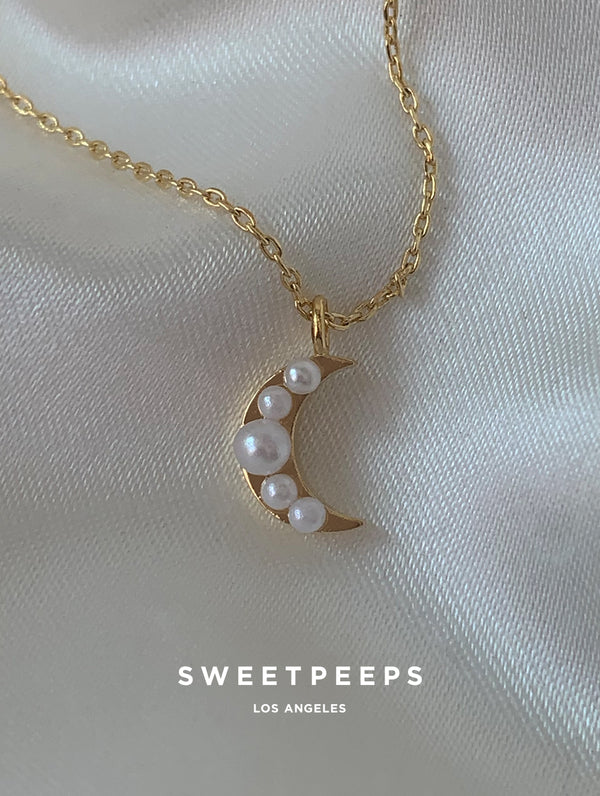 18K Gold Dipped Pearl Crescent Necklace (PE4)